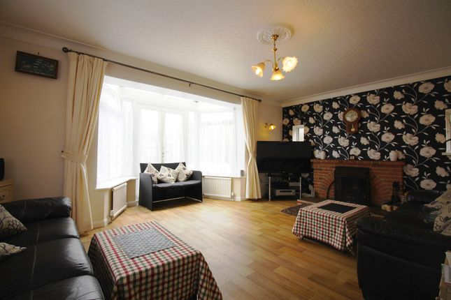 Thumbnail Detached house for sale in Loxwood Avenue, Broadwater, Worthing