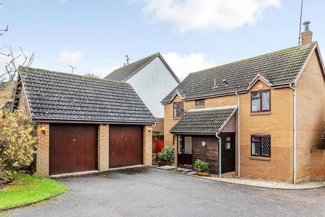 Thumbnail Detached house for sale in Rosebay Avenue, Billericay