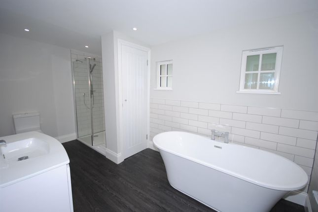Thumbnail Mews house for sale in Pembroke Mews, Sunninghill, Ascot