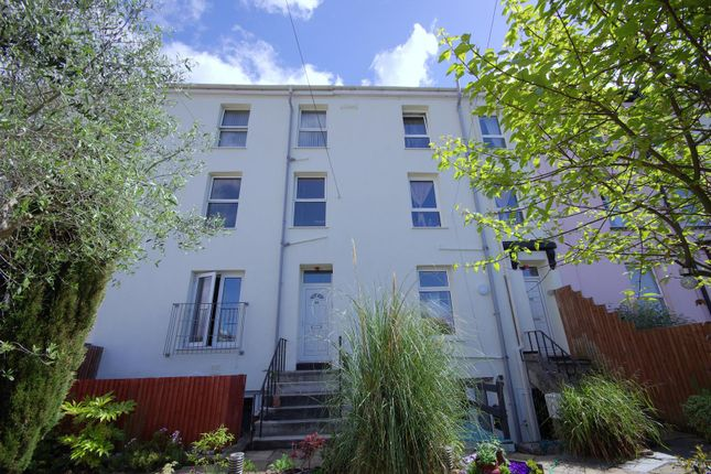Thumbnail Flat to rent in Hyde Park Road, Mutley, Plymouth