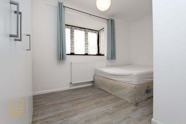 Room to rent in Francis Street, Stratford