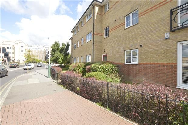 Thumbnail Flat for sale in South Street, Romford