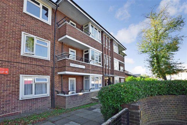 Thumbnail Flat for sale in Grangewood Street, London