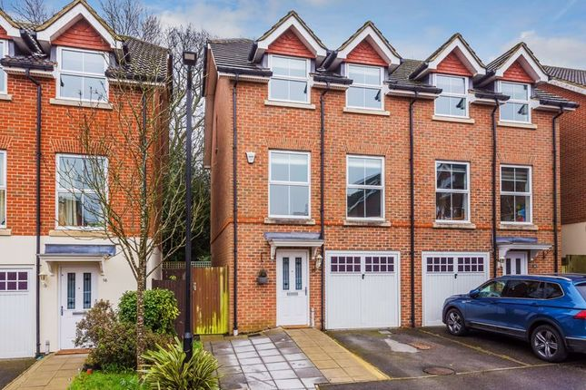 Thumbnail Semi-detached house for sale in Greenacres, Tadworth