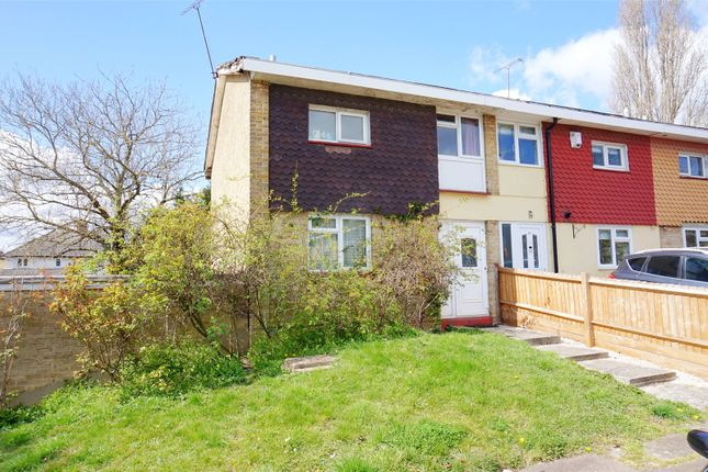 2 bed end terrace house for sale in Markhams Chase, Basildon, Essex SS15