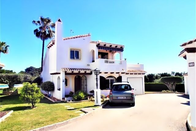 Villa for sale in Verdemar, Villamartin., Orihuela Costa, Alicante, Valencia, Spain
