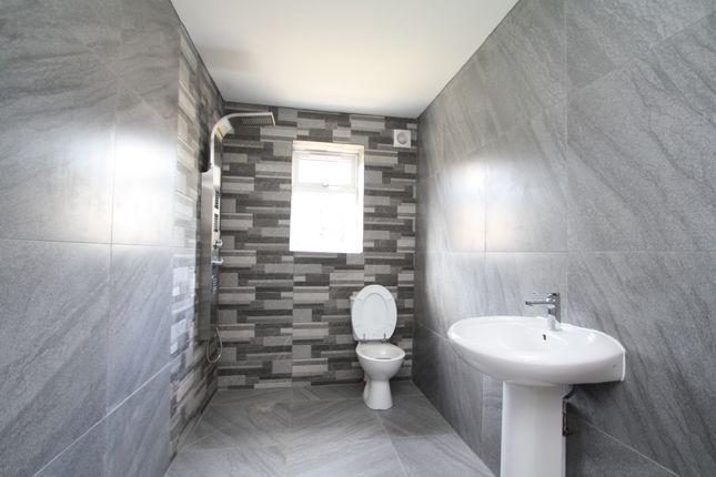 Shower/Wet Room of Sandwell Road, Birmingham B21