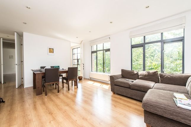 Thumbnail Flat to rent in Grafton Road, Kentish Town