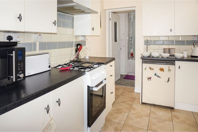 Thumbnail Flat for sale in Broadway, Pontypridd