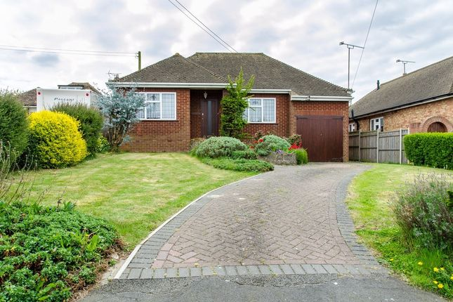 2 bed detached bungalow for sale in Burdett Avenue, Shorne, Gravesend