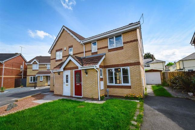 3 bed semi-detached house to rent in St Aidans Way, Hull HU9