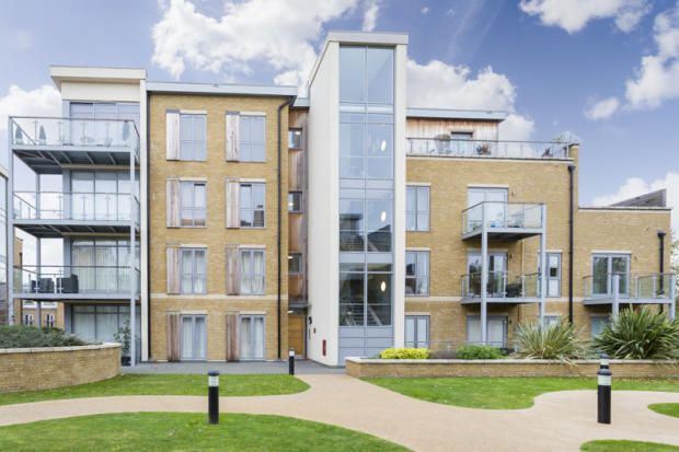 Thumbnail Flat to rent in Blagrove Road, London