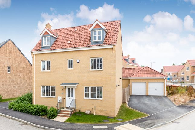 Thumbnail Detached house for sale in Vicarage Road, Rushden