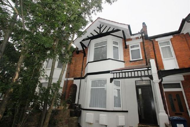 Thumbnail Flat to rent in Flat A, Manor Park Crescent, Edgware, Middx.