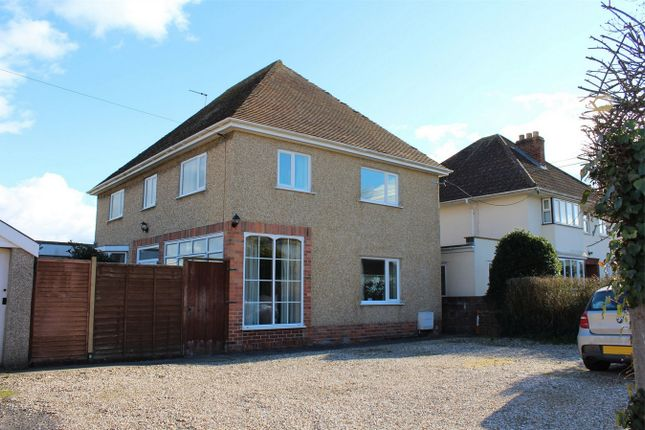 Thumbnail Detached house to rent in Comeytrowe Lane, Taunton