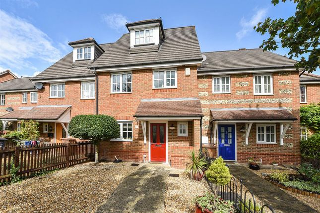 Thumbnail Property for sale in Berry Way, Andover