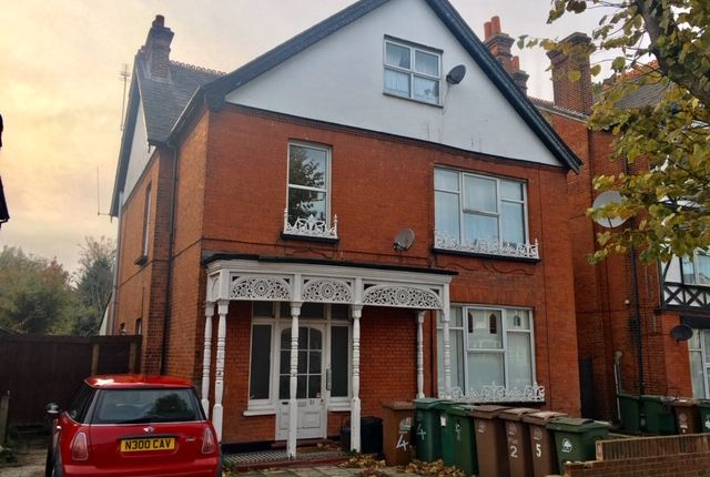 Thumbnail Flat for sale in St James Road, Sutton