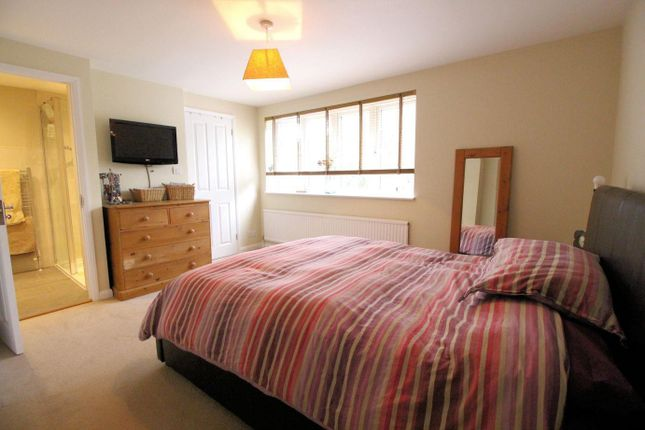 Bed 1 of Carling Road, Sonning Common, Reading RG4