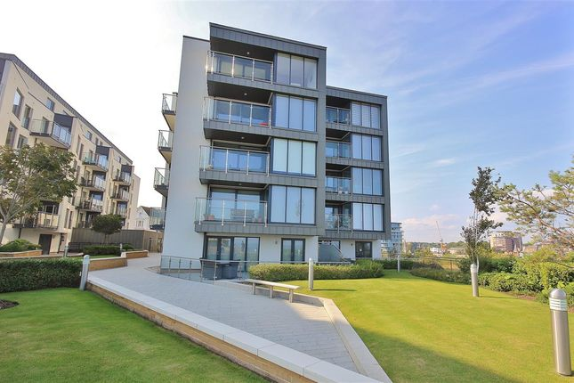 Thumbnail Flat for sale in East Coast, Beacon Road, Bournemouth