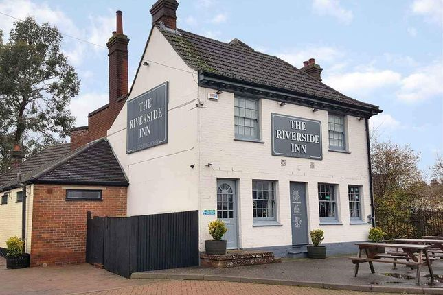 Thumbnail Pub/bar to let in Torrington Road, Ashford