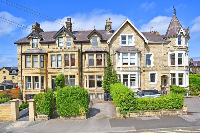 4 bed flat for sale in West Grove Road, Harrogate HG1