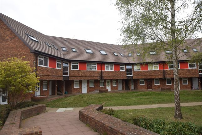 1 bed flat for sale in Round Mead, Stevenage, Hertfordshire SG2