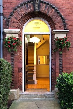 Thumbnail Property to rent in Clarendon Place, Leeds