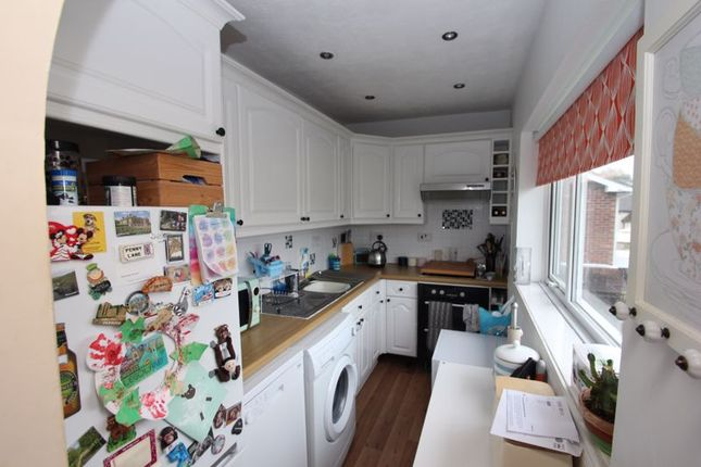 Kitchen of Lords Lane, Studley B80