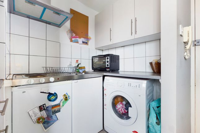 Studio to rent in Shaftesbury Place, Brighton BN1