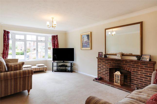 Picture No. 11 of Tattersall Close, Wokingham, Berkshire RG40