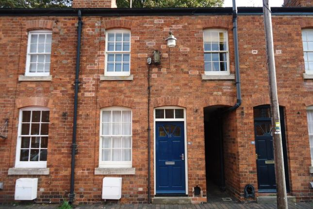 Thumbnail Terraced house to rent in Barrack Square, Grantham, Lincolnshire
