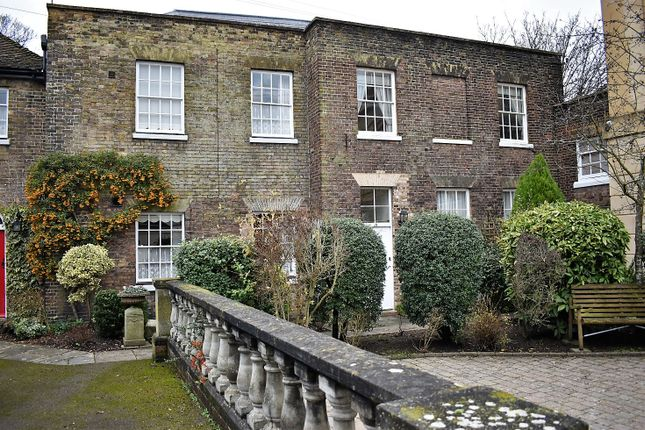 Cottage for sale in Gleanings Mews, Rochester