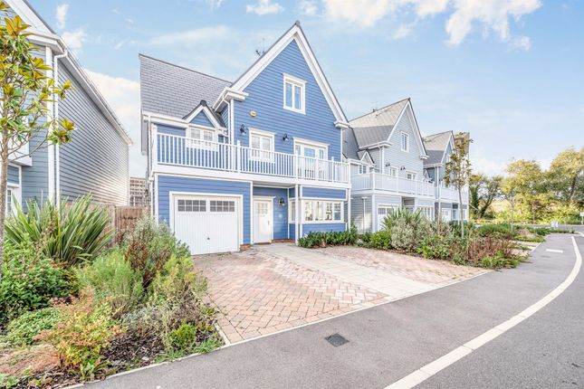 Thumbnail Detached house for sale in Champlain Street, Reading