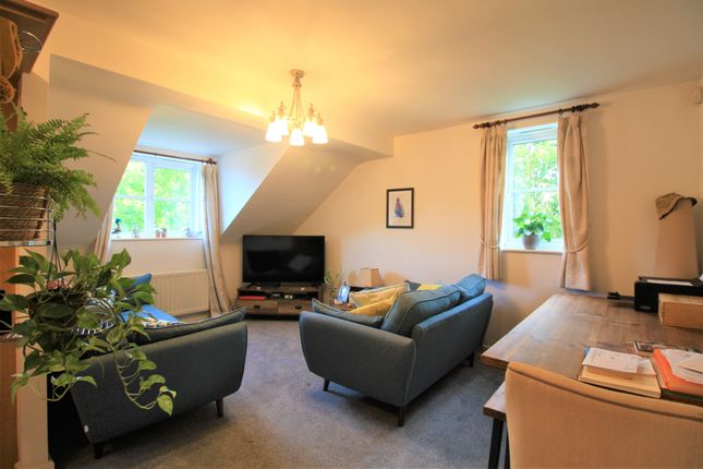 2 bed flat to rent in Wycliffe Court, Chester CH2