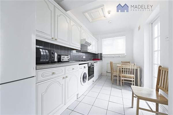 Thumbnail Property to rent in Park Drive, London
