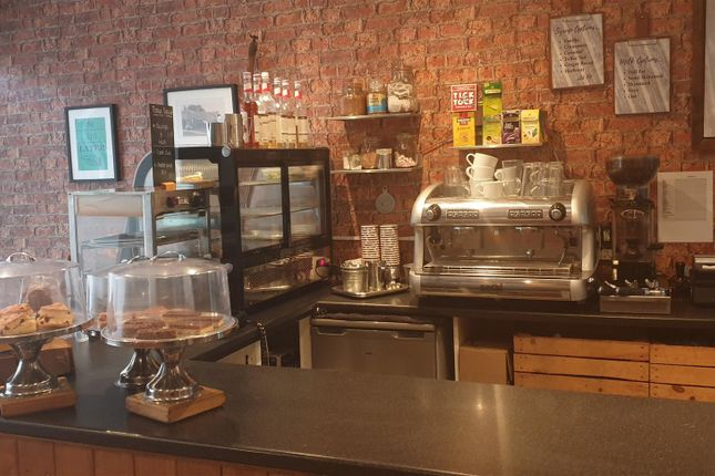 Thumbnail Restaurant/cafe for sale in Cafe & Sandwich Bars LS29, Menston, West Yorkshire