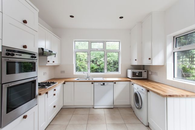 Thumbnail Terraced house to rent in Queenswood Road, Forest Hill