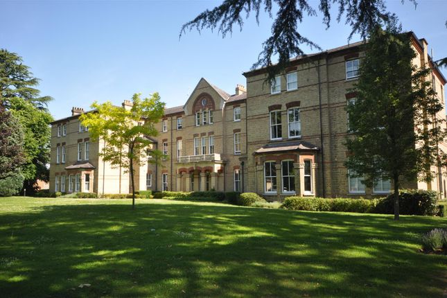 Thumbnail Flat to rent in Leavesden Court, Mallard Road, Abbots Langley
