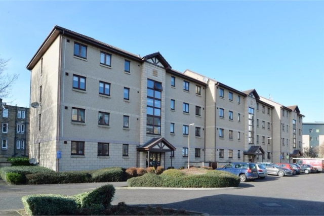 Thumbnail Flat to rent in St Clair Avenue, Easter Road, Edinburgh, 8Js