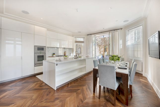 Thumbnail Terraced house to rent in Herbert Crescent, London