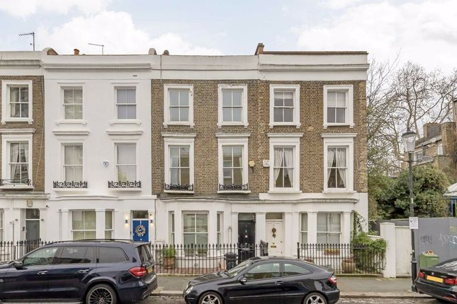 Thumbnail Terraced house to rent in Victoria Gardens, London