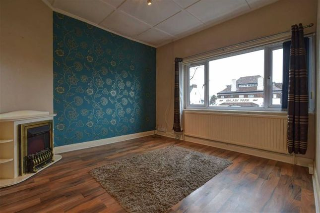 Thumbnail Flat to rent in Hull Road, Anlaby Common, Anlaby