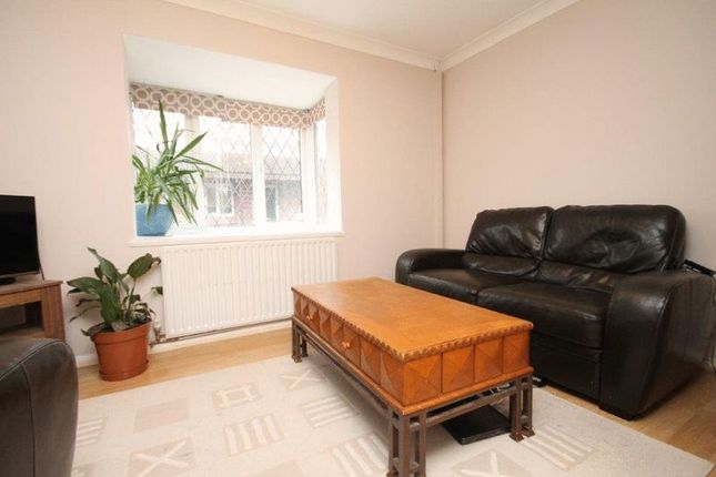 1 bed detached house to rent in Chaucer Drive, London SE1