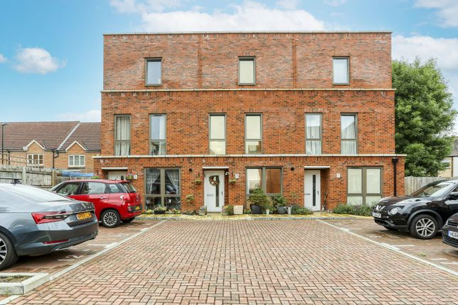 Thumbnail Terraced house for sale in Nihill Place, Croydon