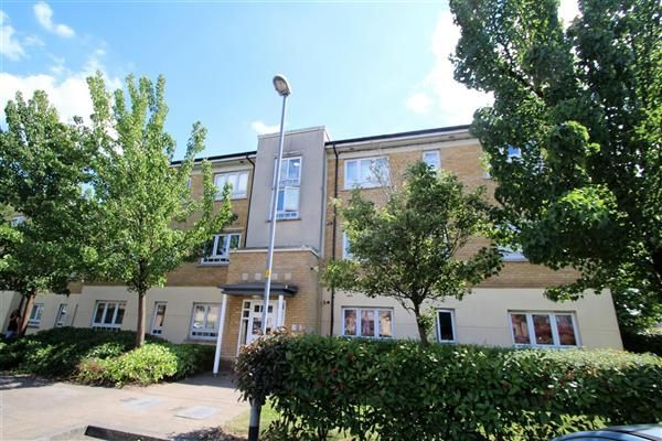 1 bed flat to rent in Elvedon Road, Feltham