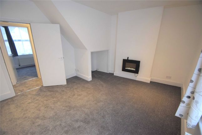 2 bed property to rent in Westbrook Place, Tiverton, Devon EX16