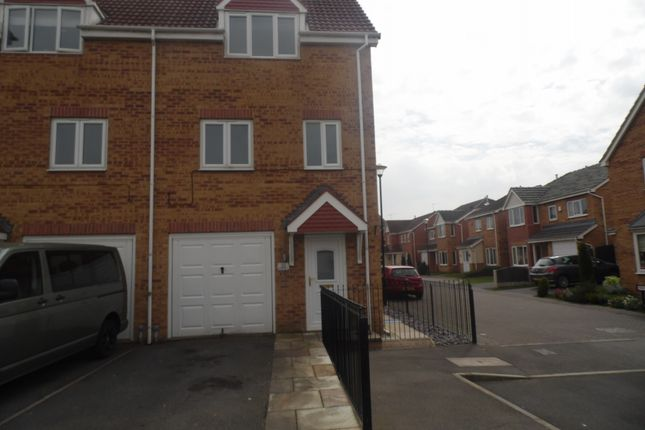 Thumbnail Terraced house to rent in Walstow Crescent, Armthorpe, Doncaster