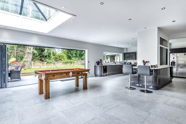 Thumbnail Detached house for sale in Hartland Close, London