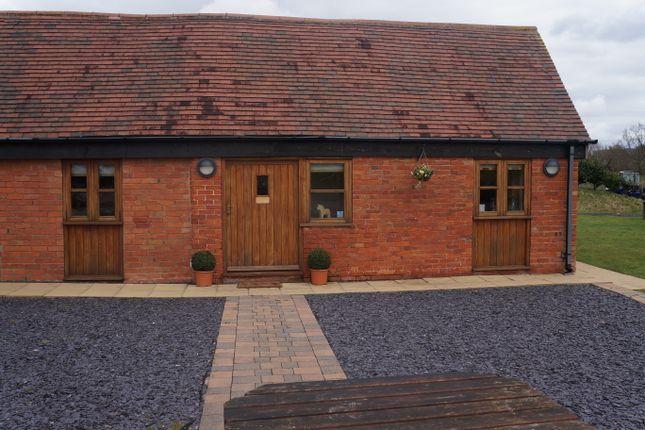 Thumbnail Barn conversion to rent in Pratts Lane, Redditch
