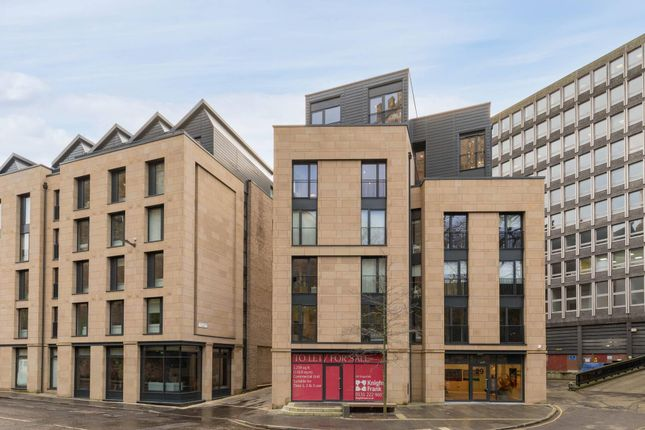 Thumbnail Flat for sale in King's Stables Road, Edinburgh